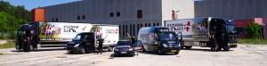 Flytteforretningen stiller op foran lageret.