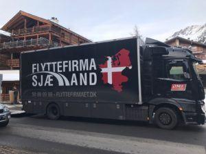 Her ses vores flyttebil i Schweiz under flytning af privat indbo.
