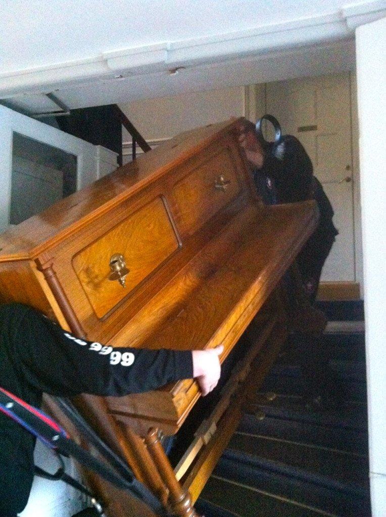 2 flyttefolk med klaver