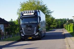 Her ses Gigaspace lastbil fra Flyttefirma Sjælland igang med flytning
