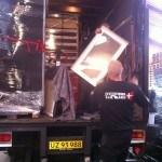 En hel flytning pakket på lastbil sikkert og forsvarligt.