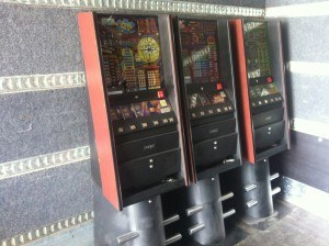 Billeder af spillemaskiner på flyttebil