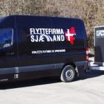 flyttebil med trailer