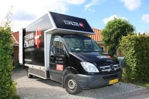 Flyttebil parkeret ved flytning af hus i Roskilde.